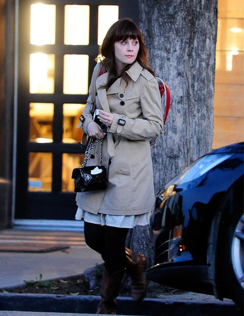 Zooey_Deschanel-Beverly_Hills-CA-19_3_2014-004