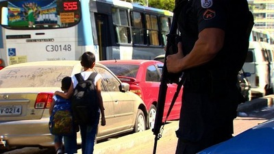 rio-city-police-standing-cnn