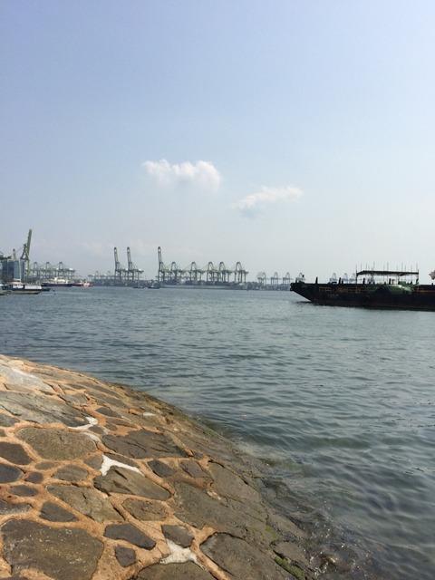 シンガポールの海