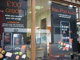 ロンドン、iPhone発売看板
