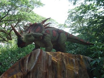 dinosaur-966875_640
