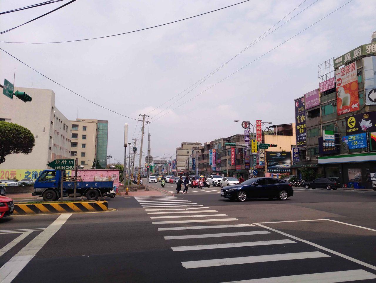 台湾にハマった : 桃園MRTに乗っ...
