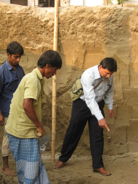 ENGINEER_EMRUL_SAN_ADVICE_ABOUT_UNDER_GROUND_SOIL_AND_FOOTING_COMPACTION_BY_SAND.jpg