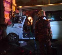 バドミントン桃田選手が鼻骨折、 運転手死亡 マレーシアで交通事故に遭う