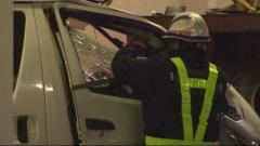 走行中のトラックから建材落下 対向車のフロントガラス突き破る 頭に当たり男性が意識不明の重体