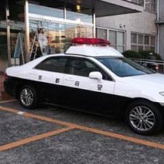 パトカーがスピード違反で赤切符