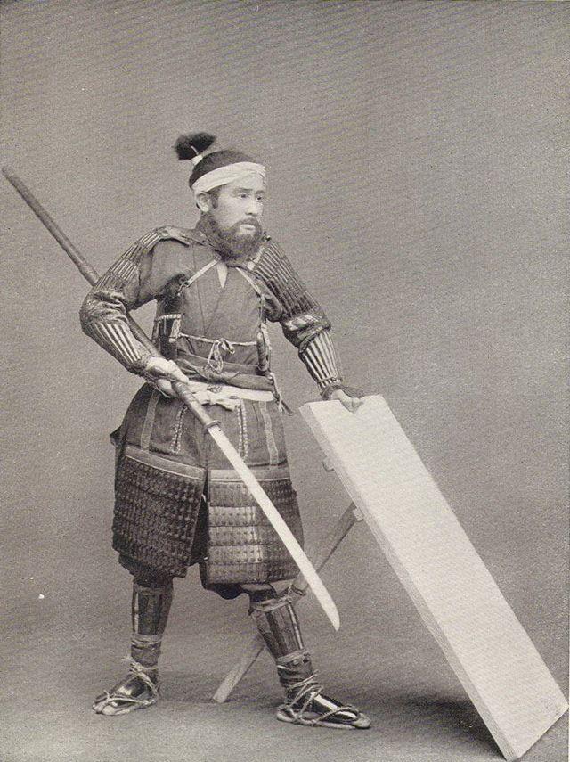 何で武士は盾を持たないのかに新説を考えた