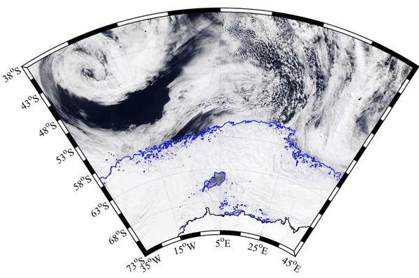 南極に北海道がすっぽり入る超巨大な穴が出現