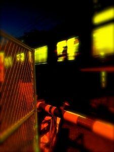 [超怖い話 実話] 深夜の回送電車 短編