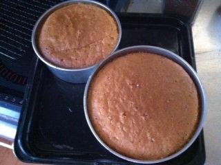 子だくさん家族にオススメTips?!スポンジケーキは1度に2つ焼いて冷凍する件