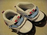 トミカのパトカー靴140501-1