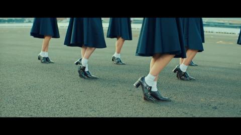 【画像104枚】日向坂46最新曲『ソンナコトナイヨ』が神MVだと話題にwwwwwwwwwwww
