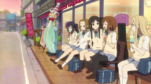 けいおんのむぎちゃん「女の子同士が仲良くしているのを見るのが好きなの♪」