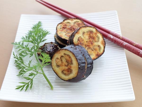 「茄子のハニーマスタード挟み焼き」オーブントースターでおつまみ作り。ミニ青梗菜と春菊が収穫どきとなりました!