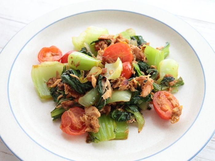 青梗菜とミニトマトのツナ炒め☆フライパンで5分で出来る!食欲そそるビタミンカラー