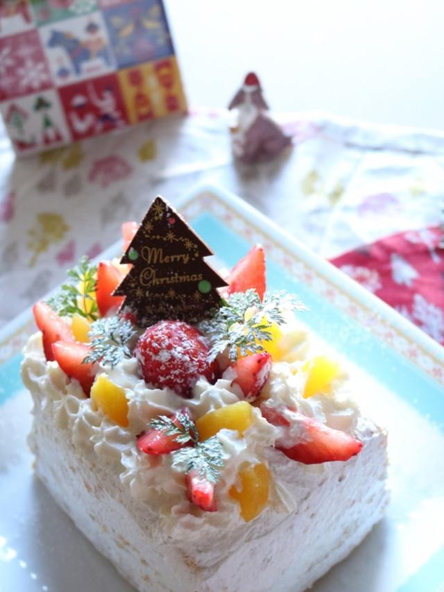 フルーツたっぷりのクリスマスケーキ