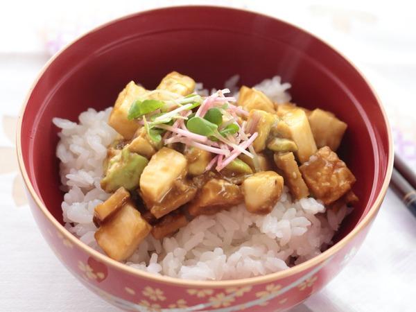 長芋とアボカドのうすさつ丼☆一正蒲鉾さん食材を使ってお弁当以外のイレギュラーレシピ