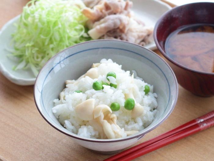 白いきのこ入りの豆ごはん☆育ち過ぎたスナップエンドウはグリーンピース!