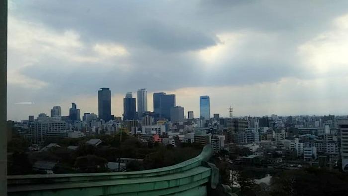 天守閣から名古屋駅方面