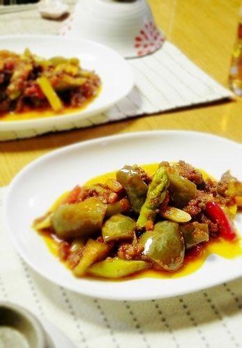 ミートソースで和える夏野菜