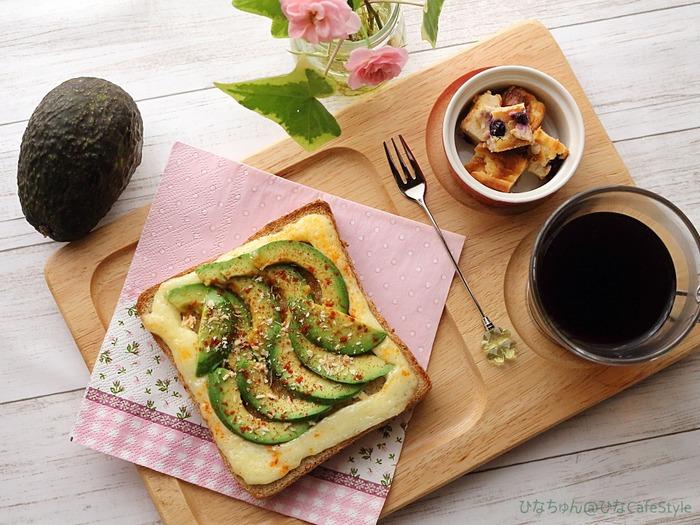 アボカドのドテマヨトースト☆のんびりゆったり朝ごはん♪