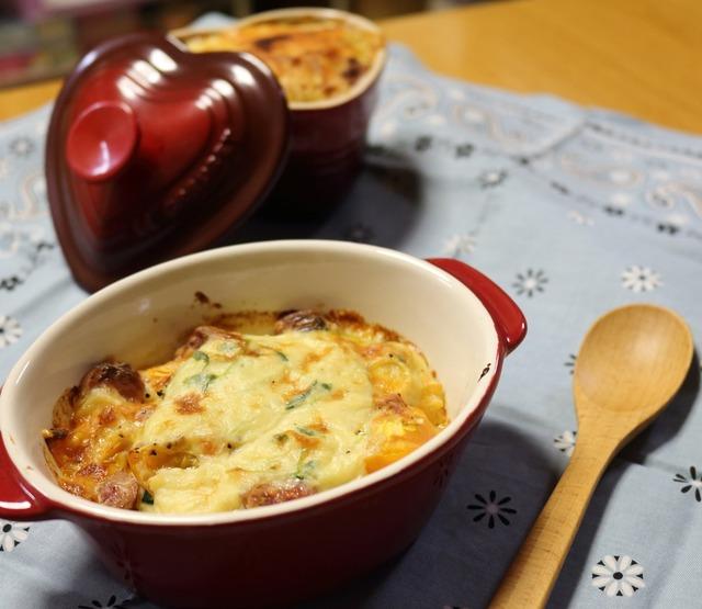 ほっこり温まろ♡豆乳で作るトマトの入ったパスタdeグラタン