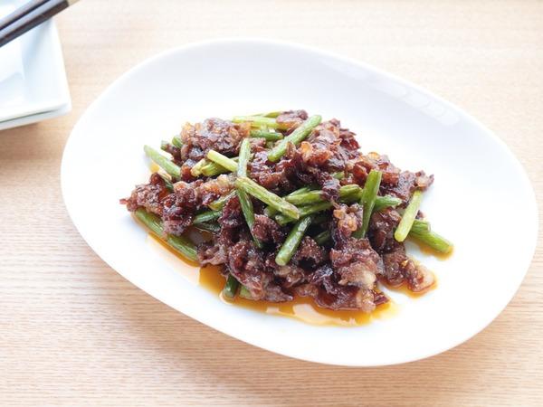 牛肉とにんにくの芽のコチジャン炒め_1000