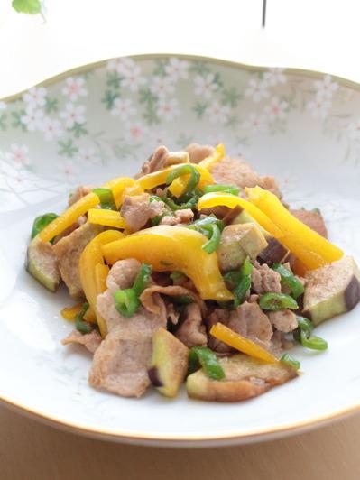 茄子と甘とうがらしの豚肉炒め