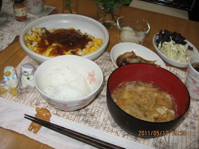 豚汁と天津 そして 新たまねぎのたまり漬け~