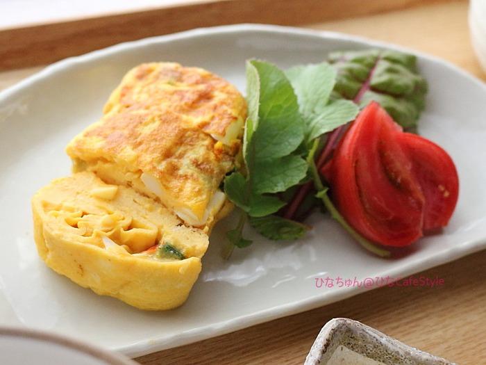 タルタルソース入りのふわとろ卵焼き☆少量残ったタルタルのリメイクレシピ