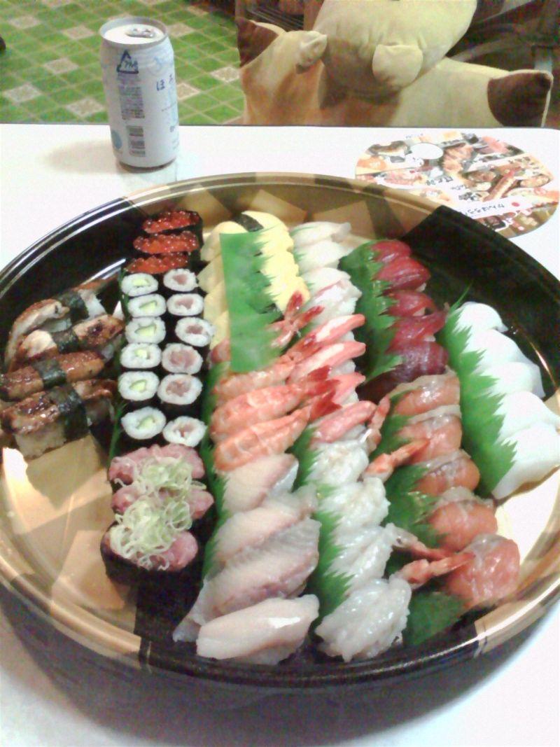 実家でお寿司&お猫さまのお写真