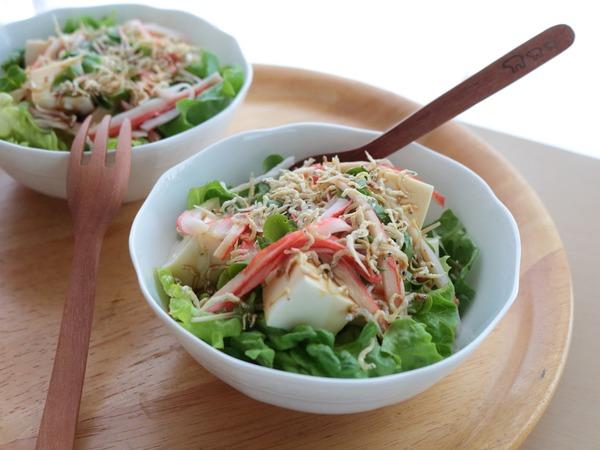 炒りじゃこがけお豆腐サラダ。身体に嬉しい健康レシピ!