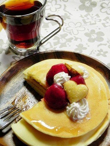 いちごのパンケーキ縦2