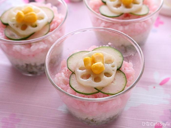 ひなまつりカラーの3色カップごはん☆酢飯や海鮮が苦手な方必見!当日でも簡単に作れます!!