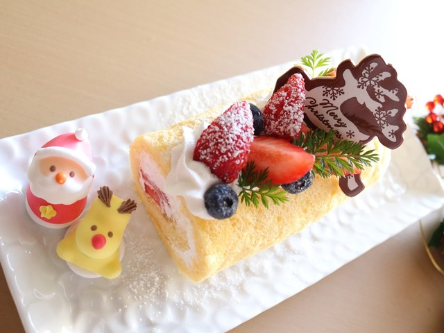 クリスマスロールケーキ1