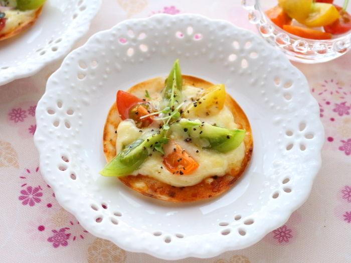 カラフルミニトマトのお花ピザ