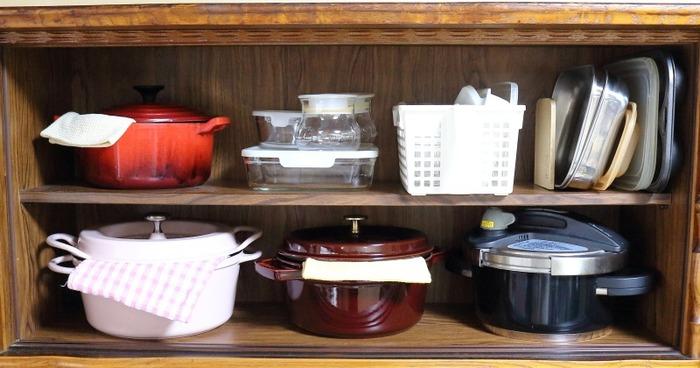 昭和の食器棚の収納について☆我が家のキッチン事情。瓶好き&鍋好き 苦肉の策