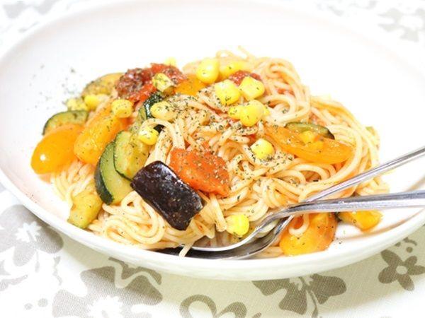 夏野菜をたっぷり使ったトマトパスタ