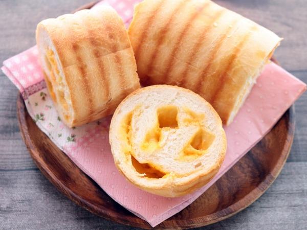 チェダーチーズパン・横斜俯瞰2_1600