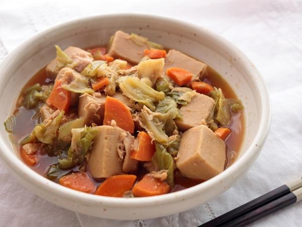 こうや豆腐とツナの旨煮・横斜俯瞰_1600