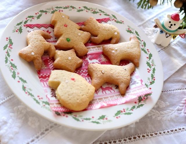 にゃんこ好きさんへのクリスマスプレゼントはもちろん猫型クッキーで。