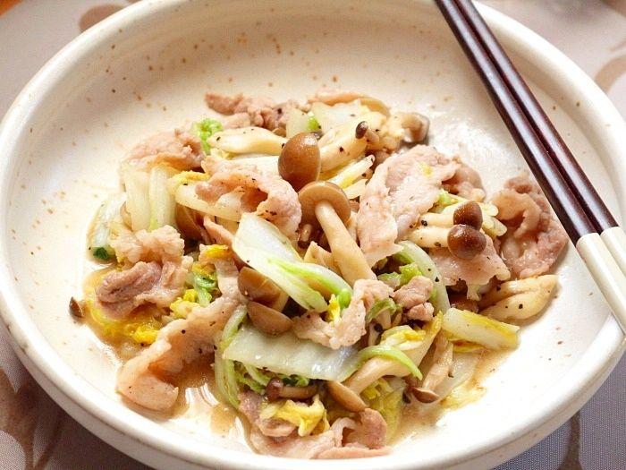 白菜ときのこの豚肉バターソテー☆秋の気配を感じたらこんなおかずも嬉しいかな