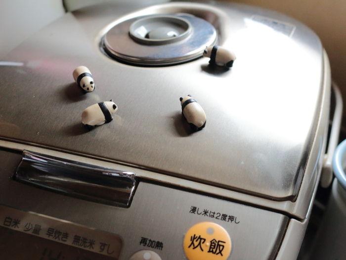 愛用の調理小物(=無印良品)とその吊り下げ収納・このキッチンスペースからレシピが生まれてます!