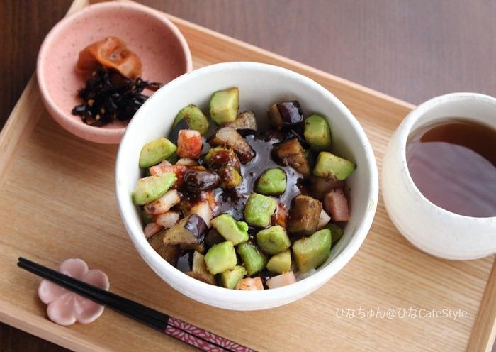 茄子とアボカドの甘みそ丼【レシピ】