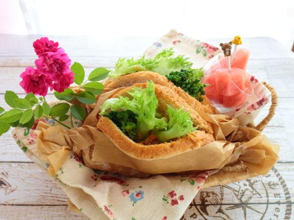 """円熟""""全粒粉""""で作るポケットサンド!パンに綺麗に包丁を入れるコツ"""