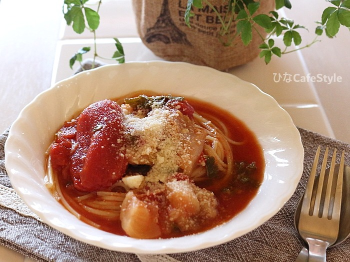 トマトと蕪のスープ、からのパスタ2種類