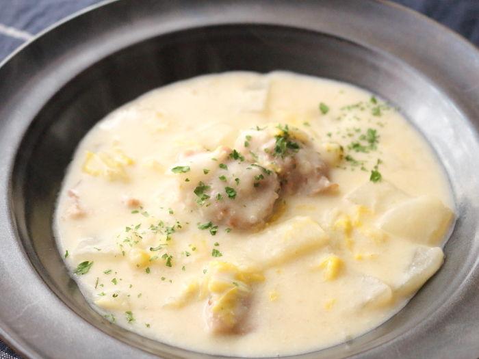 大根と白菜の豆乳シチュー☆寒いからシチューが嬉しい♡風邪予防にも♪