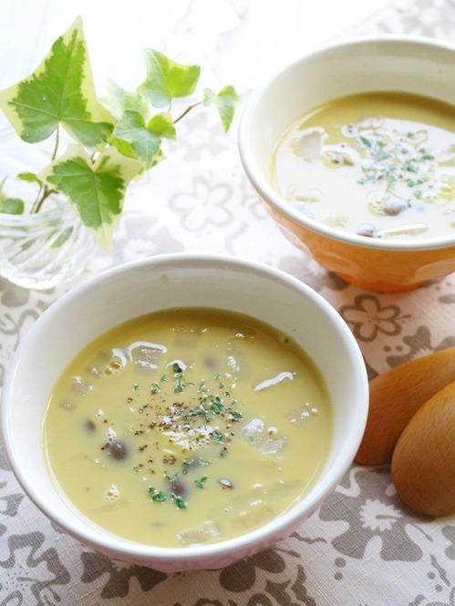 白菜としめじの食べるコーンスープ