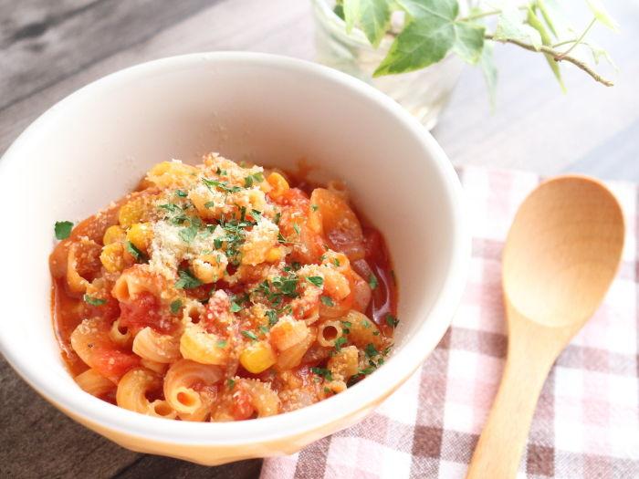 トマトチーズのパスタ