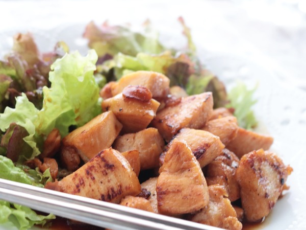 鶏むね肉のひとくち照り焼き。照り焼きのたれもおうちで作っちゃおう♪